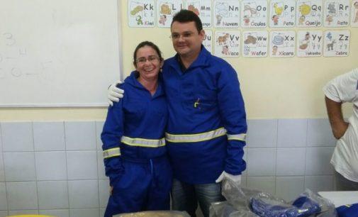 Prefeitura de Brejo dos Santos-PB realiza entrega de fardamento escolar e equipamentos para garis