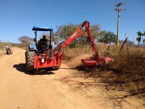 Read more about the article A Prefeitura Municipal de Brejo dos Santos-PB está realizando o rôço das estradas vicinais