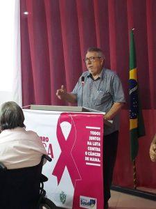 Read more about the article O Prefeito Dr. Lauri Ferreira participando da audiência pública na Câmara Municipal sobre o outubro Rosa.