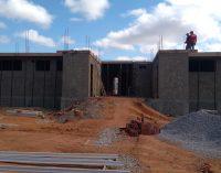 Visita a obra em construção da UBS no bairro Alto do cruzeiro