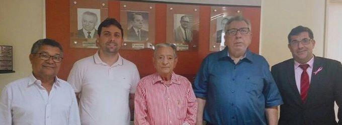 Prefeito de Brejo dos Santos Dr. Laurí, firma convênio para ajudar o Hospital Napoleão Laureano a combater o câncer no Estado da Paraíba