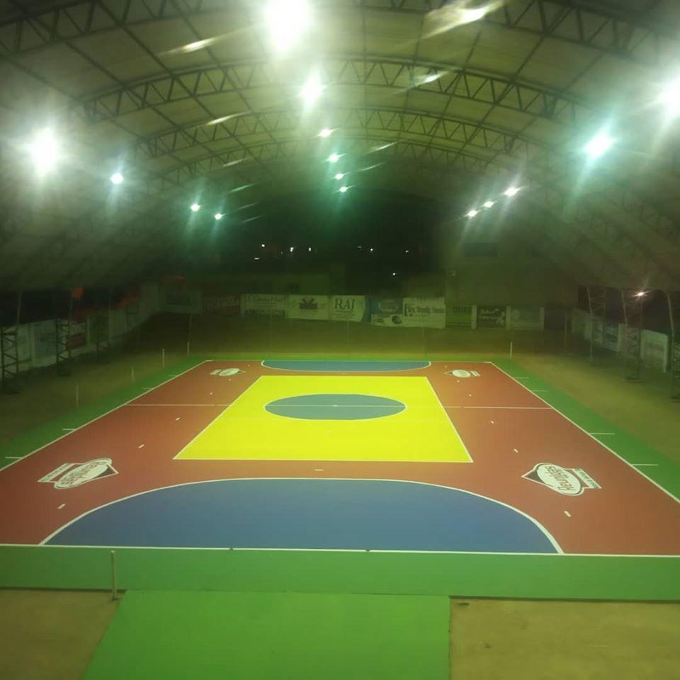 """A Prefeitura municipal de Brejo dos Santos PB realizou em parceria com a loja de material de construção @reunidas_catole, a pintura do piso do ginásio de Esportes """"O BRITÃO"""" para o ano de 2020"""