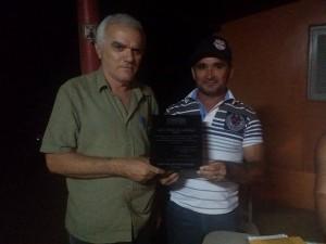 Prefeito de Brejo dos Santos recebe homenagem de associação rural
