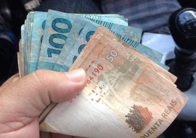 Município paga folha salarial de outubro para servidores públicos